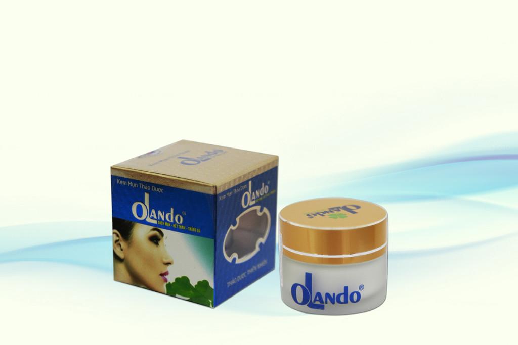 Kem mụn OLanDo được bào chế đặc biệt có tác dụng diệt khuẩn trị mụn, do đó làm khô mụn đầu trắng, bong mụn đầu đen, giảm sung mụn đỏ (mụn bọc) và ngăn ngừa các nhân mụn mới.